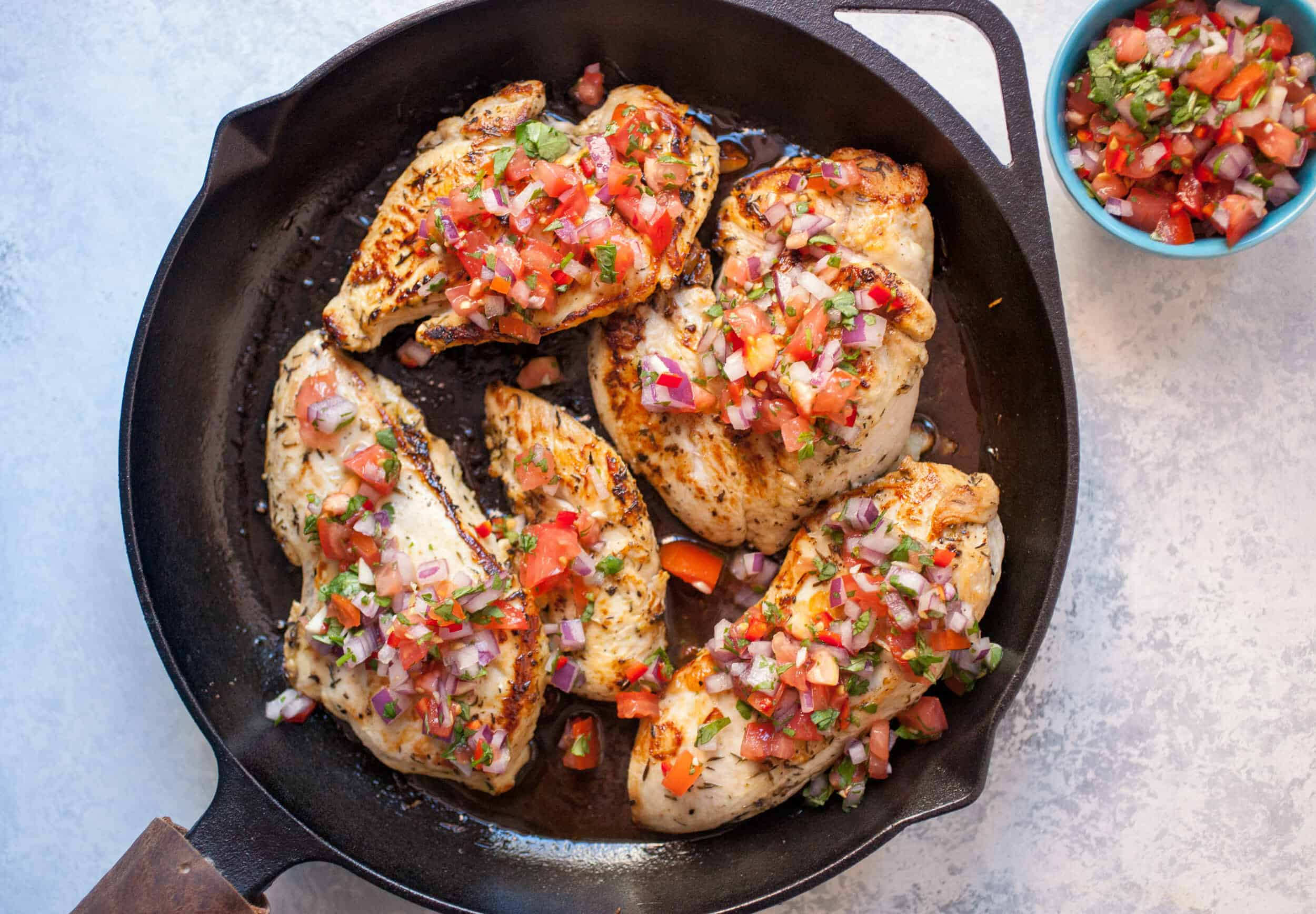 Lime Garlic Chicken: This is a light and simple chicken dish that goes great with almost any side. Enjoy! | macheesmo.com