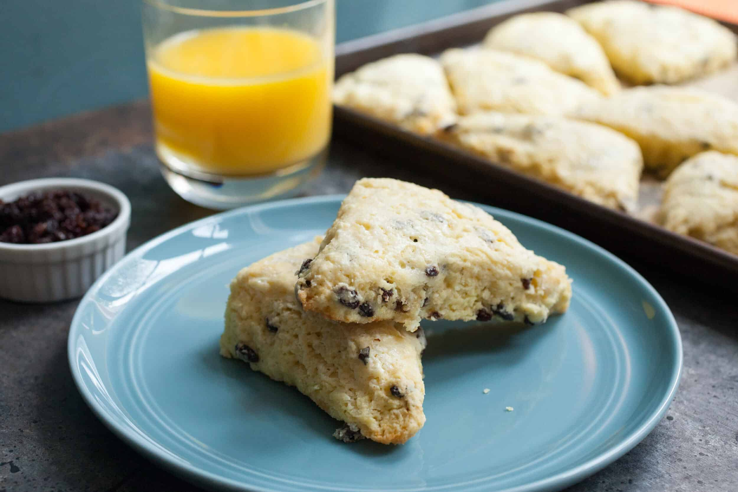 Easy Currant Scones: Scones were one of the first things I ever learned to bake and these scones are some of my favorites! Easy to make and they have a perfect buttery texture! | macheesmo.com