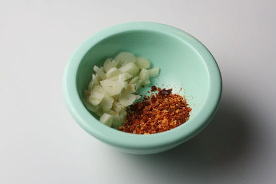 garlic and pepper flakes