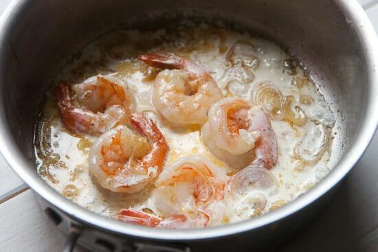 Shrimp scampi with cream.
