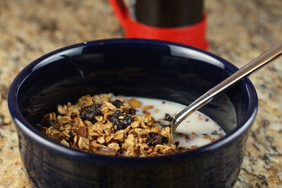Image of Kitchen Sink Granola, Macheesmo