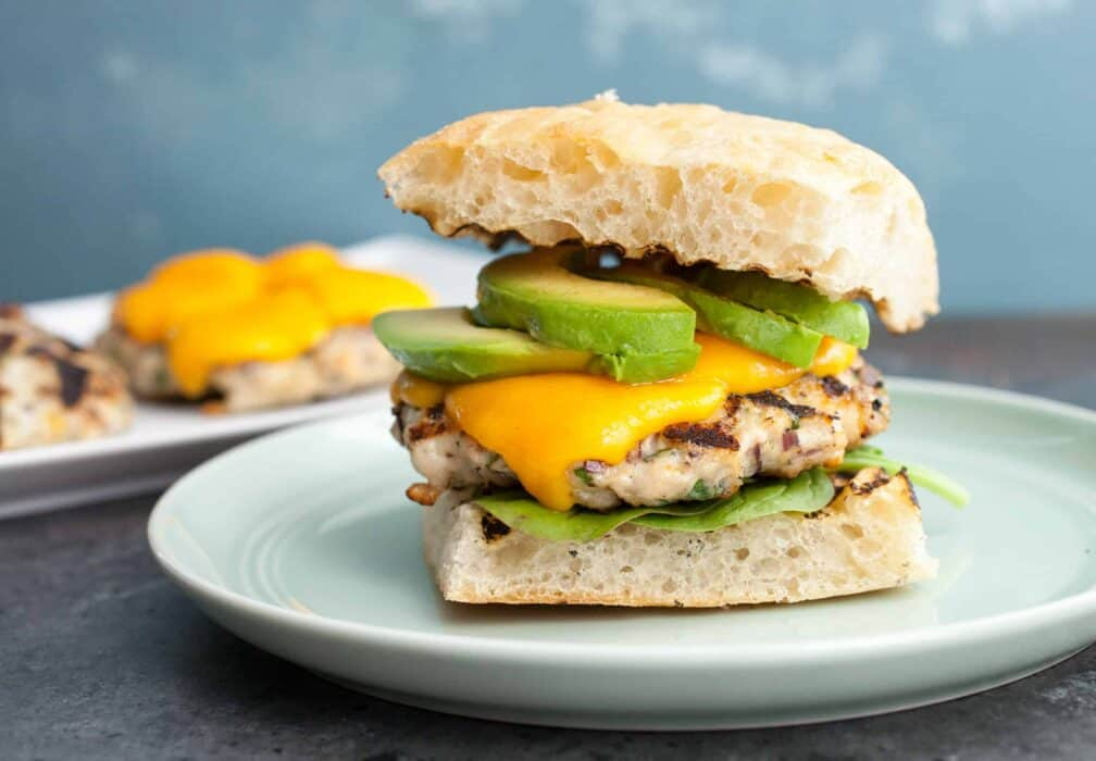 California Turkey Burgers: These super-flavorful grilled turkey burgers are really healthy and stay nice and juicy. You're gonna love them! | macheesmo.com