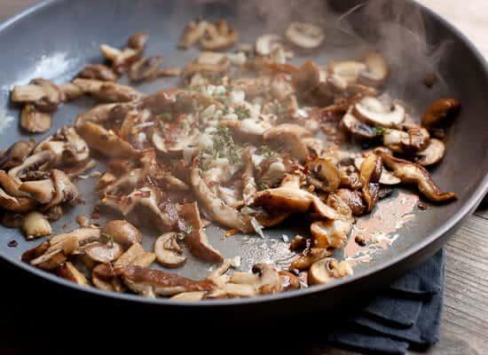Creamed mushrooms on toast