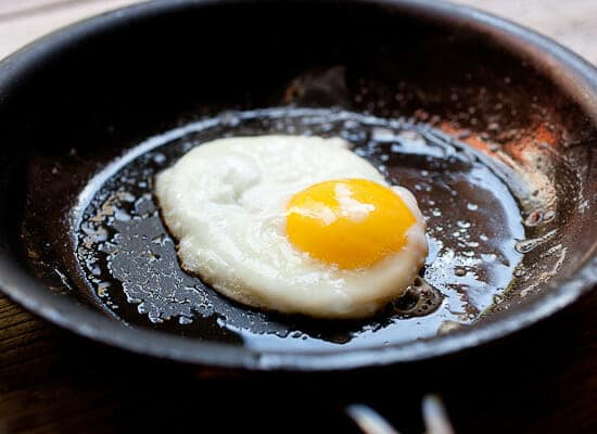 Creamed mushrooms on toast with egg