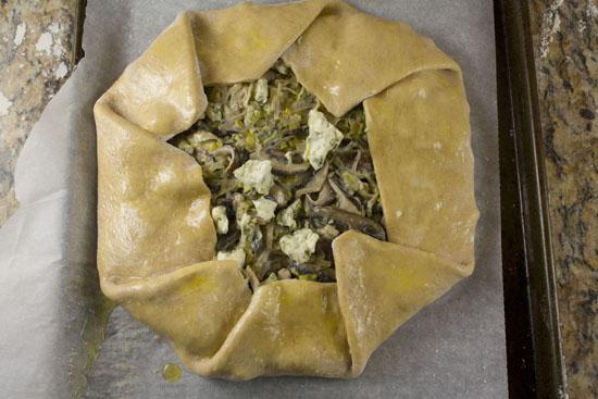 ready to bake - Mushroom Leek Galette