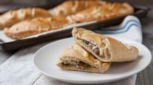 Mushroom and Swiss Hot Pockets: Homemade dough stuffed with sauteed mushrooms and swiss cheese. A hearty frozen lunch that's easy to make in bulk and reheat!