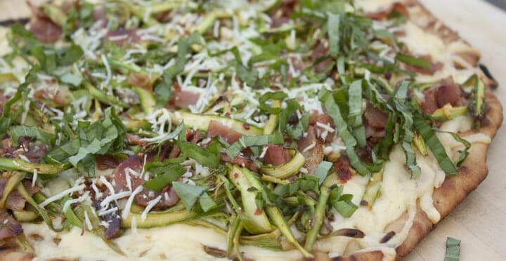 Asparagus Pizza from Macheesmo