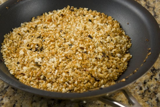 breadcrumbs for topping Tofu Mac and Cheese