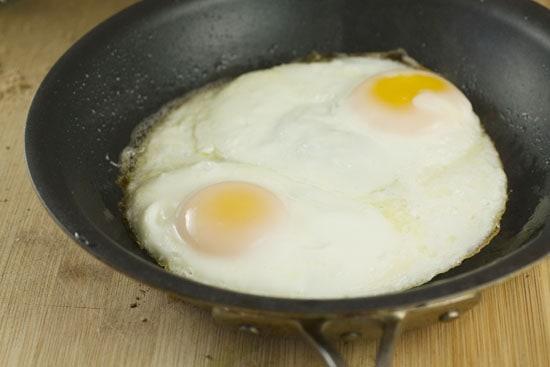 cooked eggs for Ricotta Breakfast Sandwich