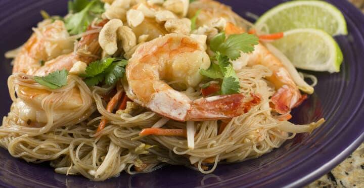 Shrimp Pad Thai from Macheesmo