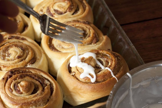 drizzle the Date Cinnamon Rolls
