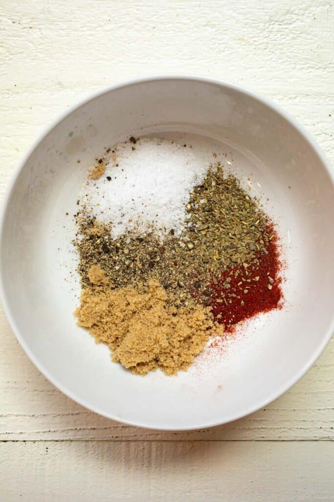 Spicy seasoning mix for potato chips