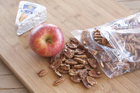 pecans - Apple Pecan Omelet
