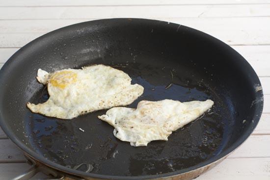 fried egg for Croissant Sandwich
