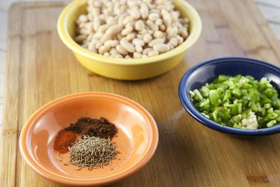 basics for White Turkey Chili