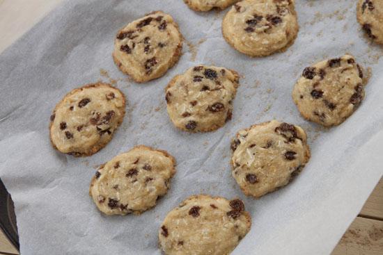 baked Rum Raisin Cookies