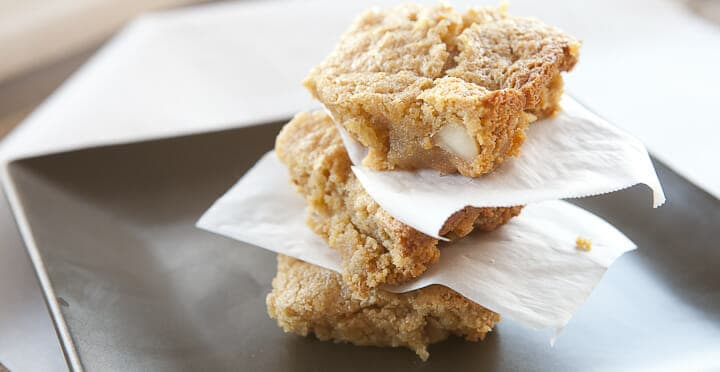 Delicious gluten-free almond blondies baked with almond flour and white chocolate chips!