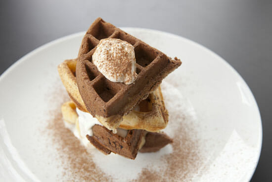 Tiramisu Waffles ~ Macheesmo