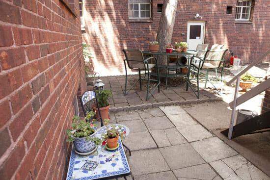 courtyard_550