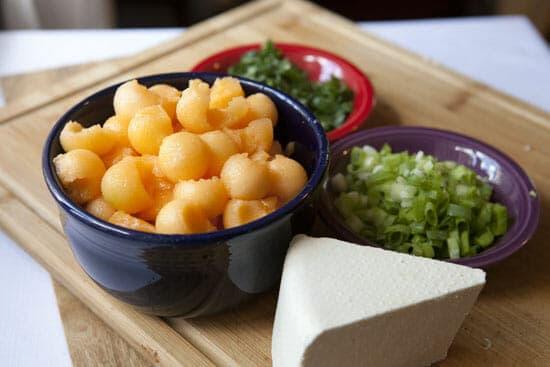 Melon Pasta Salad - Macheesmo