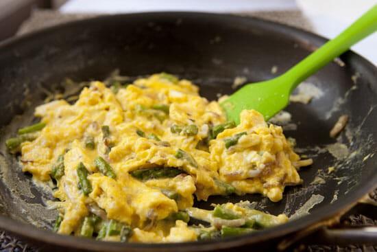 Watch it closely! Smoked Salmon Scrambled Eggs - Macheesmo