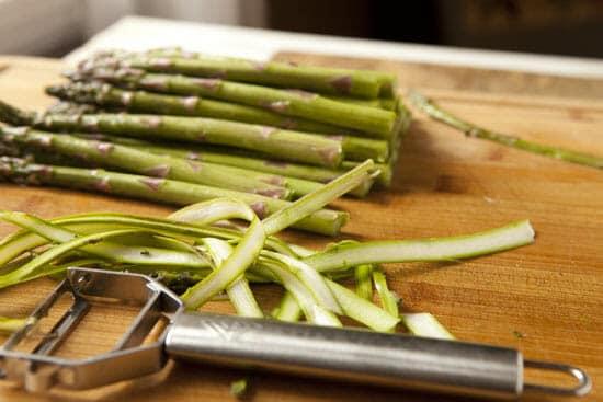asparagus peeled for Asparagus Flatbread