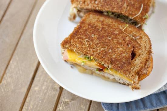 Even toasting! Peach Sandwich via Macheesmo