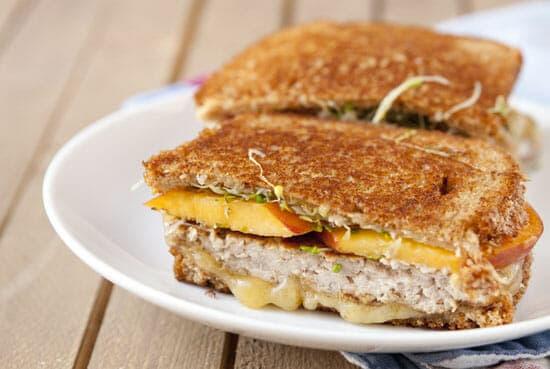 Good flavors! Peach Sandwich from Macheesmo