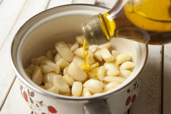 How to make garlic confit