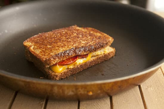 Chipotle Grilled Cheese ~ Macheesmo