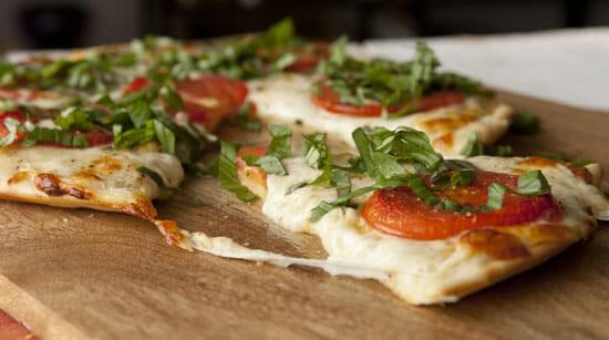 White Pizza Sauce ~ Macheesmo