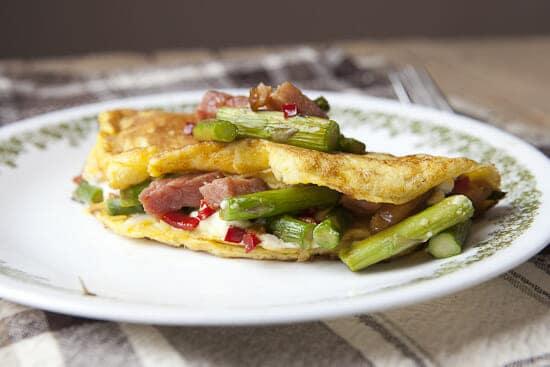 Asparagus Omelette ~ Macheesmo