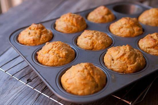 Hummus muffins baked.
