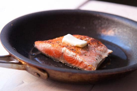 Seared and buttered salmon - Lentils and Salmon