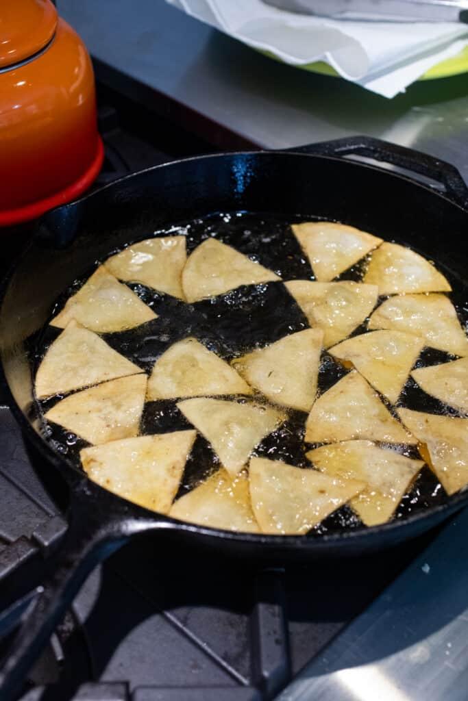 Frying tortilla chips for nachos