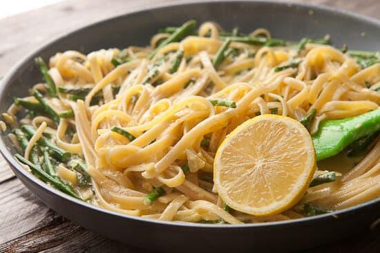 Lemon asparagus carbonara
