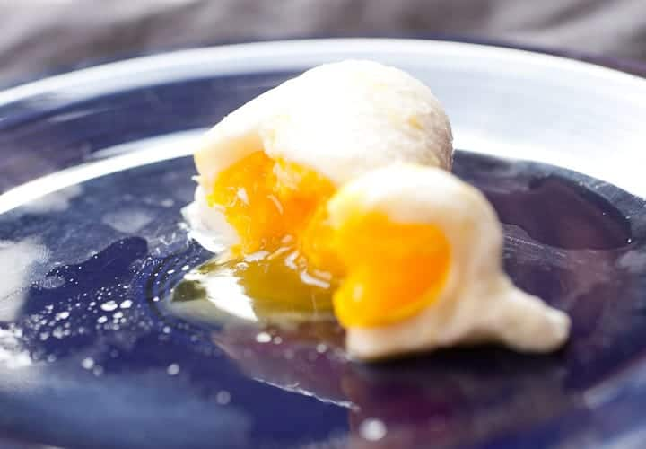How To Poach An Egg In The Microwave Macheesmo