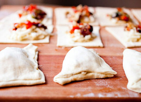 Hummus Pizza Pockets