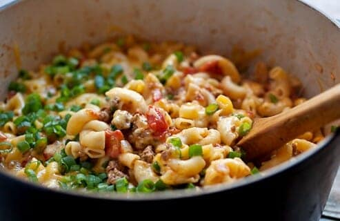 One Pot Cheeseburger Pasta: Everything cooked in one pot: beef, onions, and pasta! Some say it's impossible, but this is the way to make it happen! Plus, a nice little lid of cheddar cheese on top finishes off this pasta dish and makes it very worth your while. DIG IN.   macheesmo.com