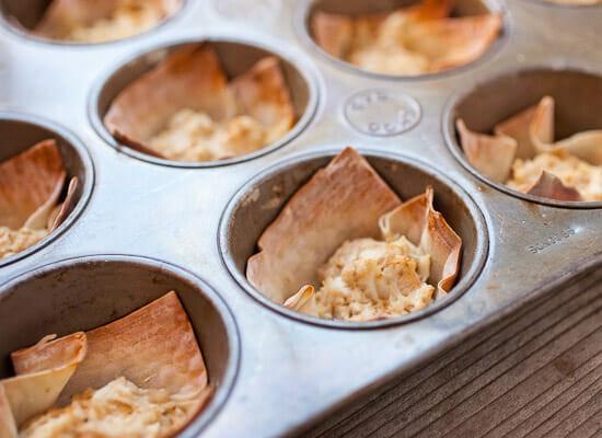 Hot crab dip wontons baked