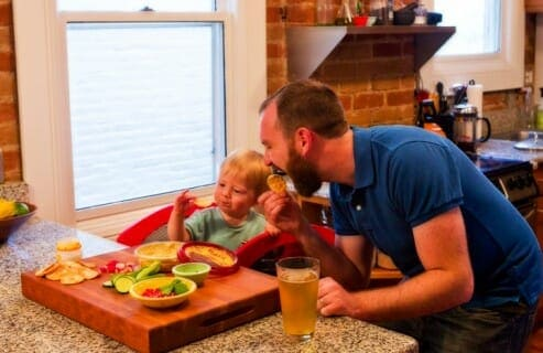 Happy Hour Taste Tests: I like to use pre-dinner time to have snacks with my kiddo and introduce him to new flavors and textures. It's easy to do and so much fun! #spons | macheesmo.com