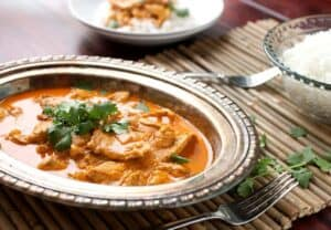 Weeknight Butter Chicken: This classic Indian recipe can easily be made on a weeknight if you plan correctly! Make this week's dinner delicious with this surprisingly fast recipe! | macheesmo.com