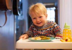 Three Easy Kid Snacks: If you are struggling with easy kid snacks, try some of these! They are relatively quick to make and are great for a pre-meal snack or to add to a lunch plate! | macheesmo.com