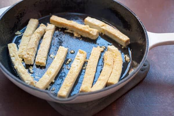 Crispy Tofu Wraps with Spicy Peanut Sauce
