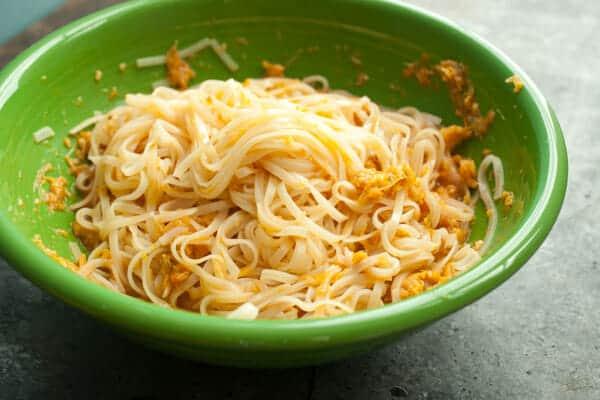 How to make kimchi noodles