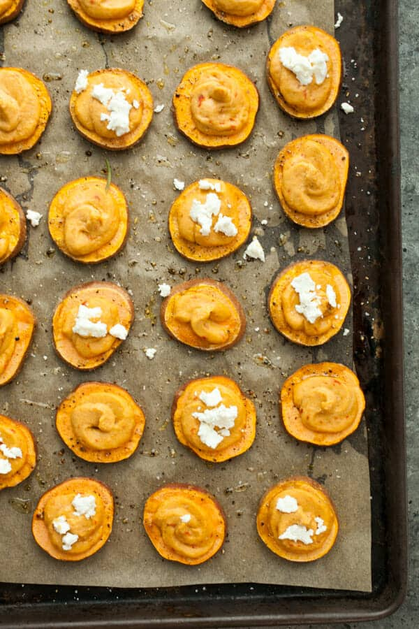 Hummus Sweet Potato Rounds - Easy Appetizer ~ Macheesmo