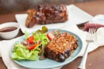 Easy Grilled Meatloaf: This perfect meatloaf is easy to make on the grill so you can keep your oven off during the hot days! The flavors are smoky and delicious! Great served with a simple salad or sliced and made into sandwiches! | macheesmo.com