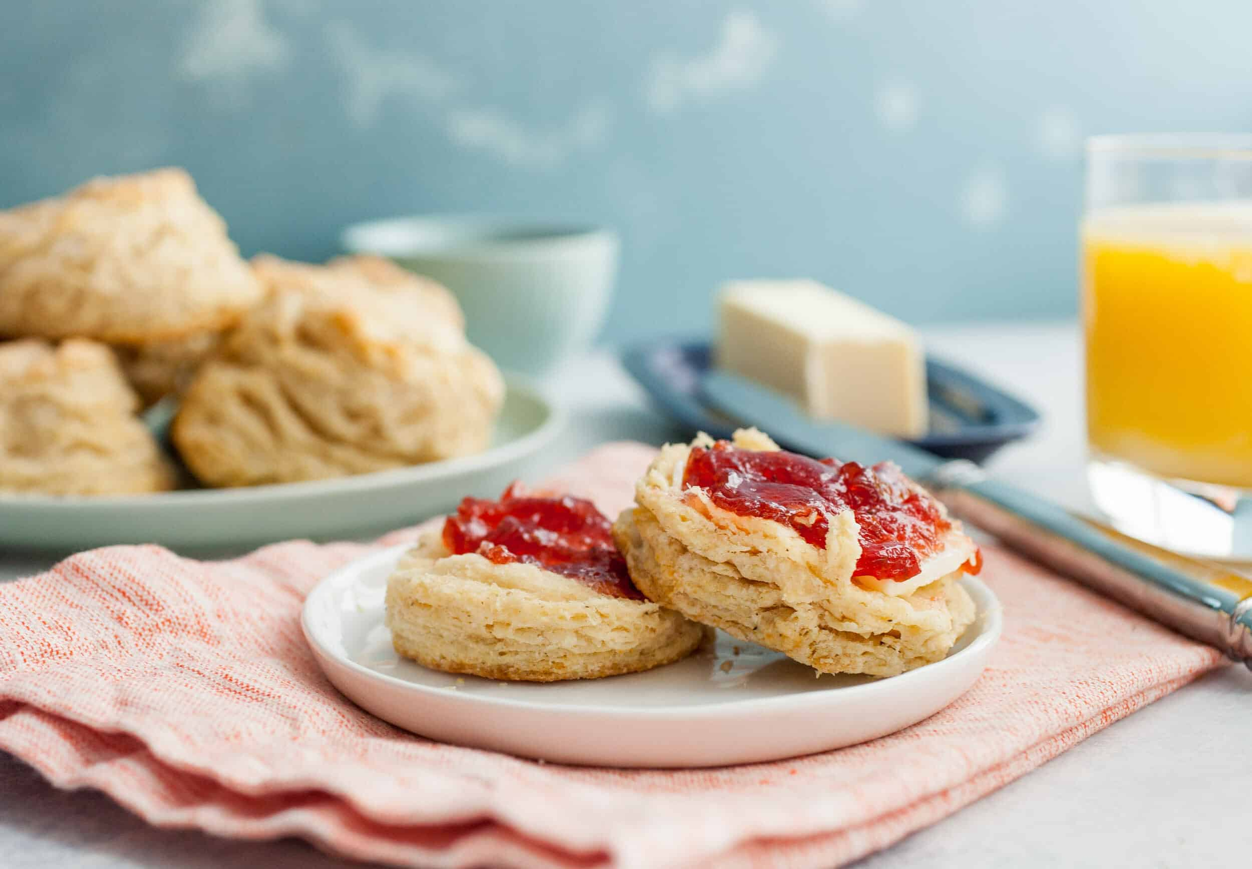 Chicken Biscuits: These simple, rustic biscuits have a secret ingredient that make them completely addictive and give them a deep savory flavor. Hint: It's chicken. You're gonna love these. | macheesmo.com