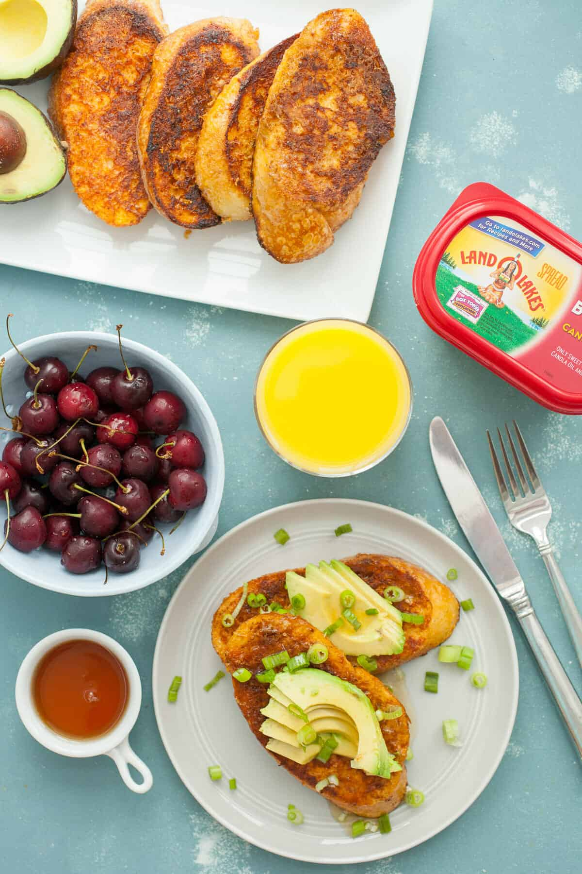 Savory Avocado French Toast: A new take on the classic french toast mashed up with avocado toast! It's the best version of savory and sweet! YUM! | macheesmo.com