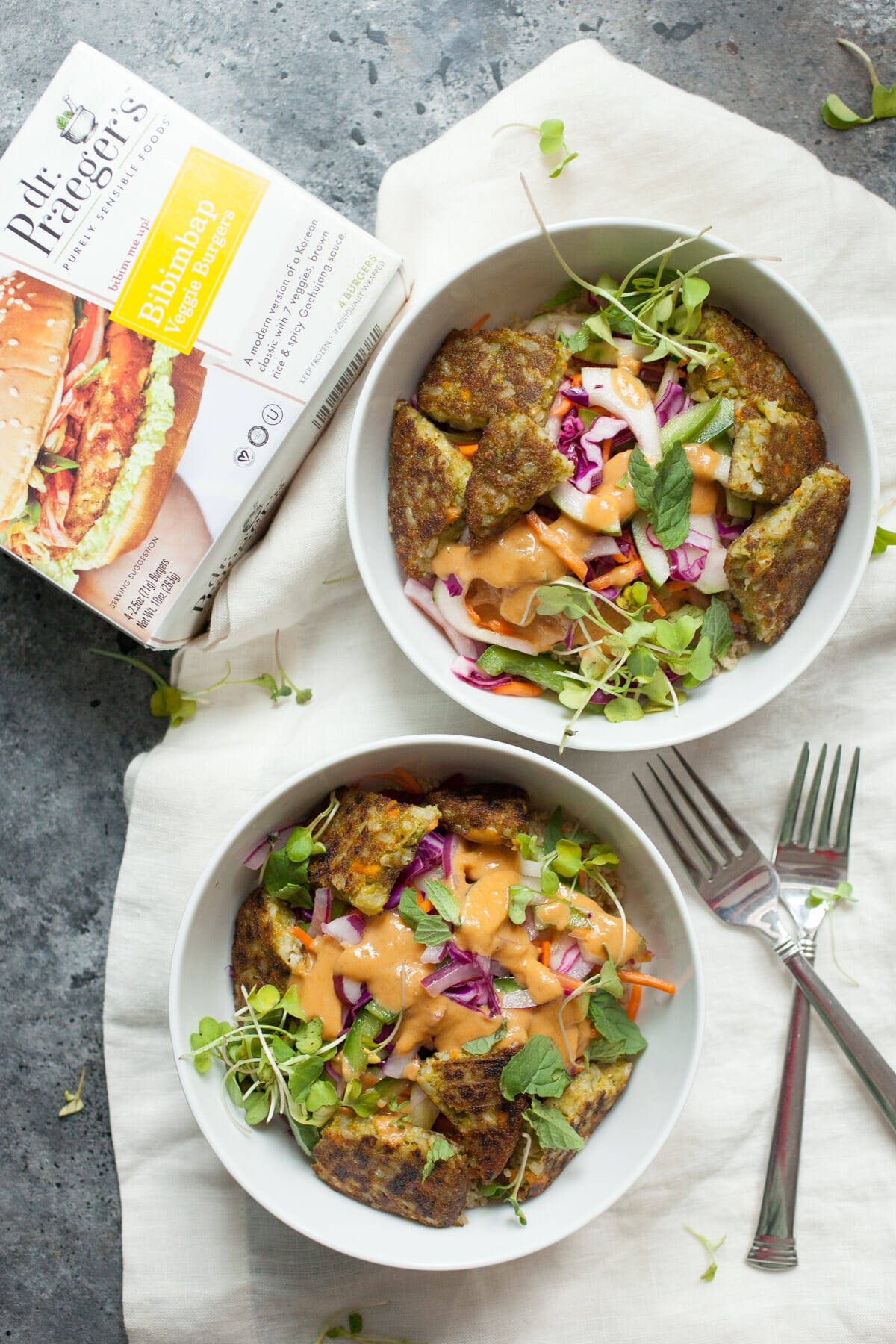Easy Banh Mi Bowls: Delicious and easy bowls with loads of veggies and a spicy peanut sauce. YUM! | macheesmo.com